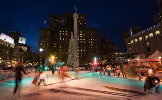 Ice-skating-in-union-square