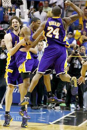 Lakers-celebrate